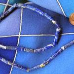 Lapislazuli-Röhren als Halskette
