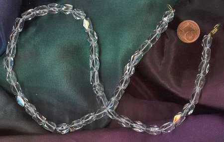 Heilsteine Herzbeschwerden: Bergkristall als Halskette